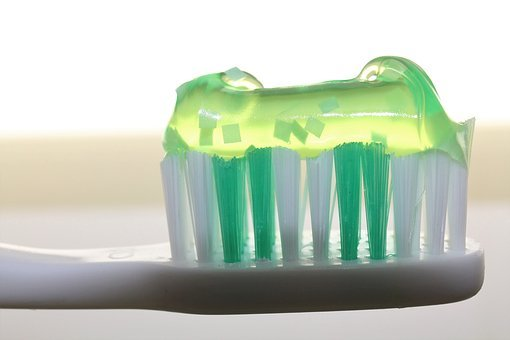 Toothbrush, Fun Toothpaste, Luminous Green, Bristles