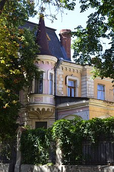 Architecture, Patio, House, Tower, Roof, Spire, Balcony
