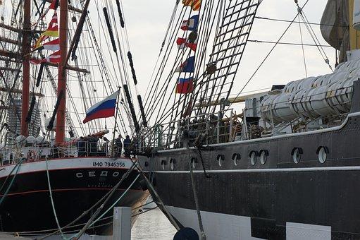 The Four-masted Barque, Sedov, Kruzenstern