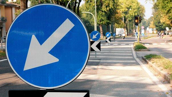 Cremona, Italia, Signalling, Arrow, Track, Road