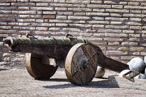 Italy, Rome, Castel Sant'angelo, Gun, Antiquity