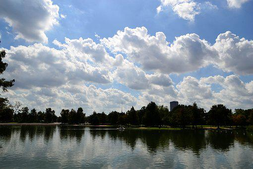 Herman Park, Houston Texas, Skyline, Trees, Lake, River