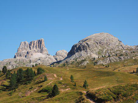 The Falzarego Pass, Plateau, Monte Averau, Croda Negra