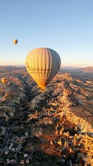 Turkey, Goreme, Kapadokya, Cappadocia, Ballooning