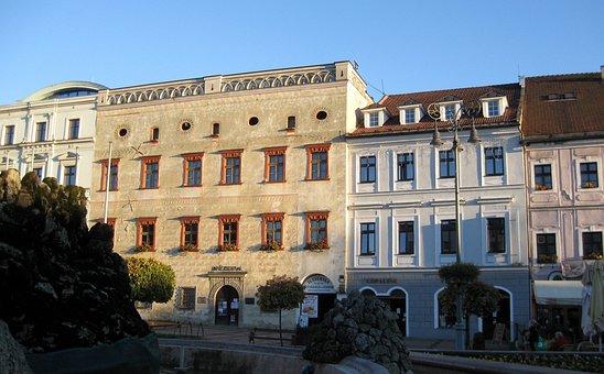 Highlands, Banska Bystrica, Square, Styles