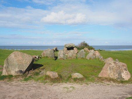 Burial Mounds, Megalith Facility Harhoog, Burial Mound