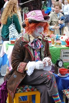 Colors, Alice, Hatter, London, Feast, Clown, Trick