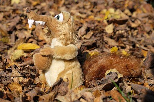 Leaves, Autumn, Fall Foliage, Squirrel, Scrat, Scrattie