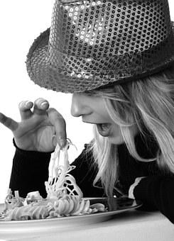 Girl, Eat, Finger Food, Model, Blonde, Hat, Pretty