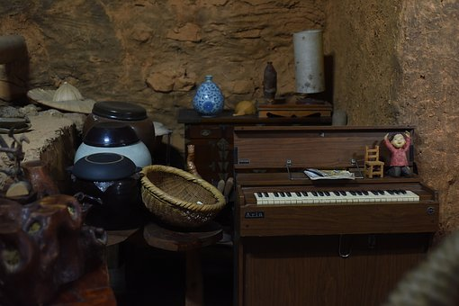 Piano, Props, Basket, Indoor, The Main Point, Mountain