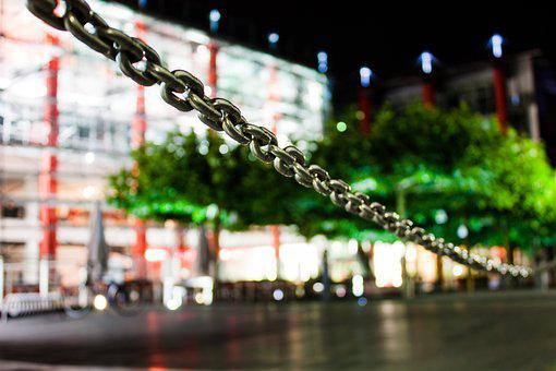 Heinsberg, Night, Chain