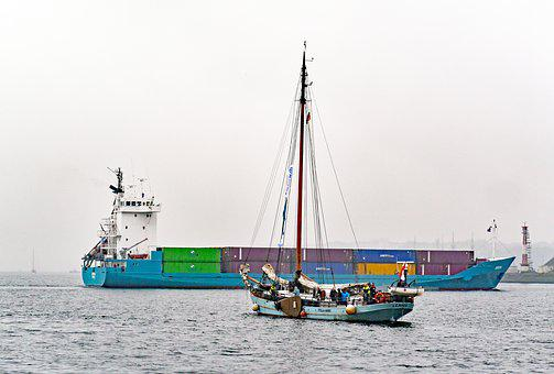 Unequal Encounter, Container Freighter, Sailing Vessel