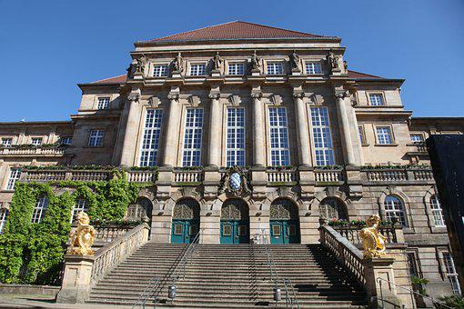 The City Hall Of Kassel, Historically, Building