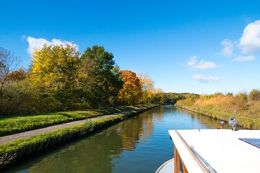 Houseboat, Channel, Autumn, Mirroring