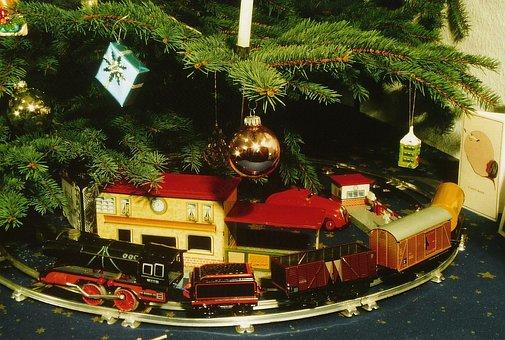 Christmas, Toys, Railway, Tin Toys, A Clockwork Railway