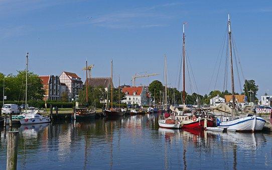 Greifswald, Harbour Museum, Ryck, Sailing Ships