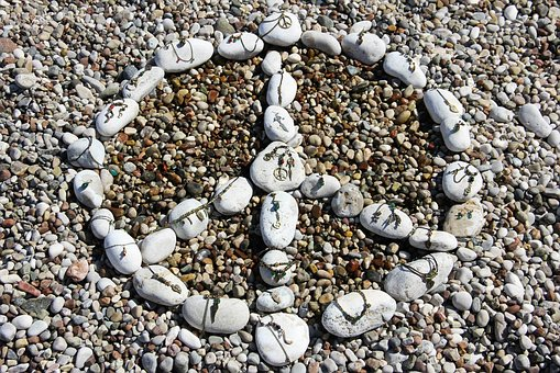 Pea Think, Stone, Beach