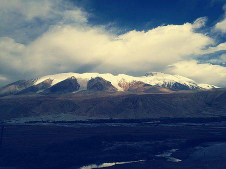 The Pamirs, Snow Mountain, The End Of Autumn
