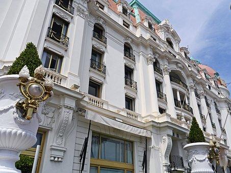 Facade, Magnificent, Historically, Balustrade