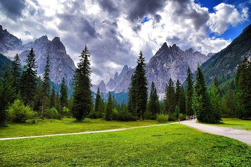 The Val Fiscalina, Altoadige, Südtirol, Italy