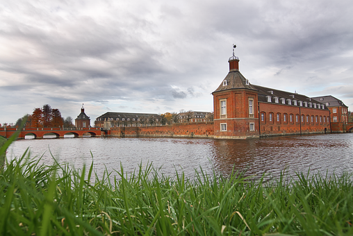Moated Castle, Clouds, Münsterland, Places Of Interest