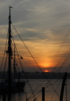 Sailing Boat, Ship Mast, Sunset, Harbour Museum