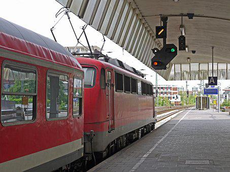 Regional Train, Exit Slowly, Hbf, Central Station