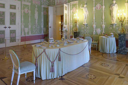 Sankt Petersburg, Catherine's Palace, Table, Furniture