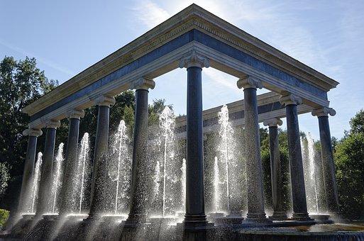Sankt Petersburg, Peterhof, Lion-cascade, Architecture