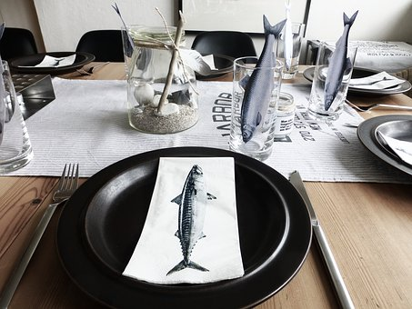 Table, Table Decorations, Gedeckter Table, Creative