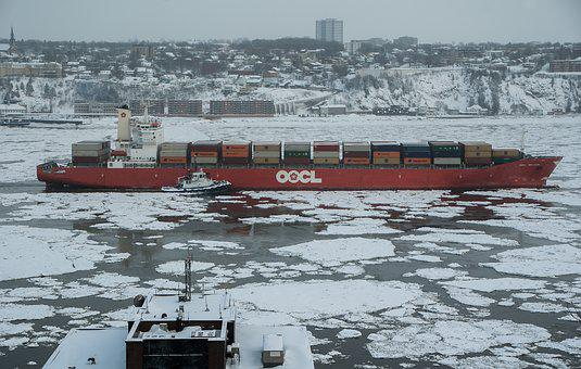 Québec, Frozen River, Navigation, Containers, Ice