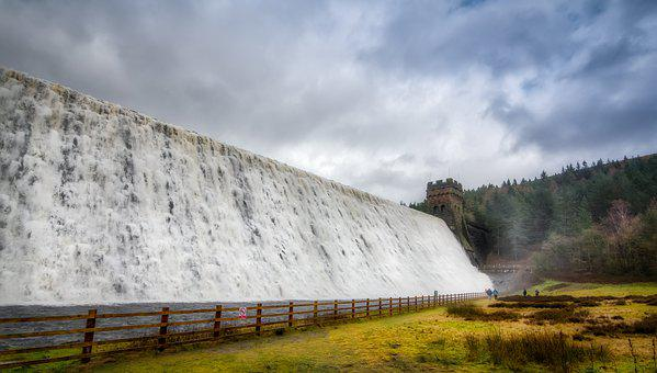 Derwent Dam, Derwent Valley, Derbyshire, England, Flood