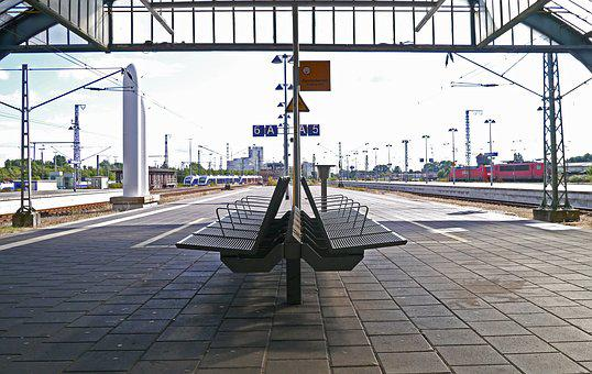 Platform, Concourse, Central Station, Oldenburg, Bench