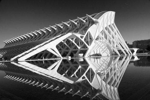 Valencia, Museum, Black White