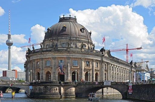 Bode-museum, Berlin, Museum Island, Tv Tower, Spree