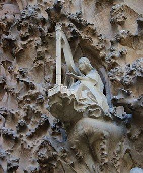 La Sagrada Familia, Gaudí, Harp, Angel, Barcelona