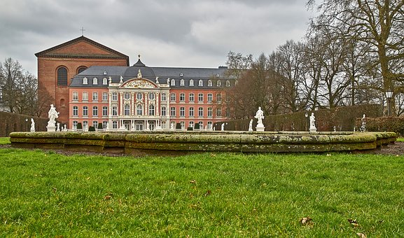Grass, Architecture, Home, Rush, Building, Trier