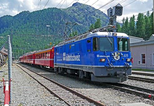 Rhaetian Railways, Engadin, Graubünden, Switzerland