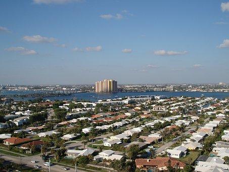 Riviera Beach, Singer Island, Condominium