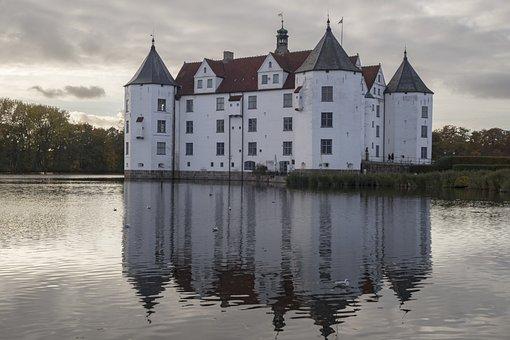 Castle, Moated Castle, Glücksburg, Castle Pond