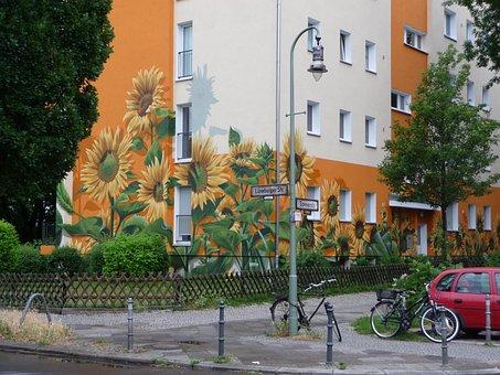 Berlin, Housewife, Painted House, Lüneburg Street