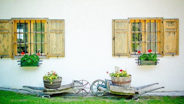 Hauswand, Lattice Windows, Running Karre, Wooden Barrow