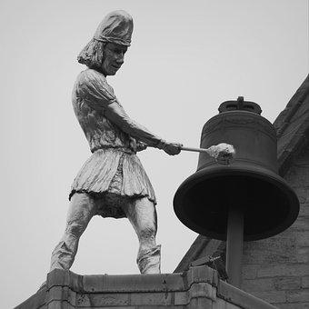 Whistleblower, Clock, Read, Hours, Hammer, Statue