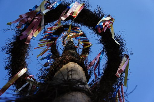 Maypole, Flags And Pennants, Tradition, Custom