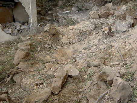Israel, Lebanon, War, 2006, Bomb Crater