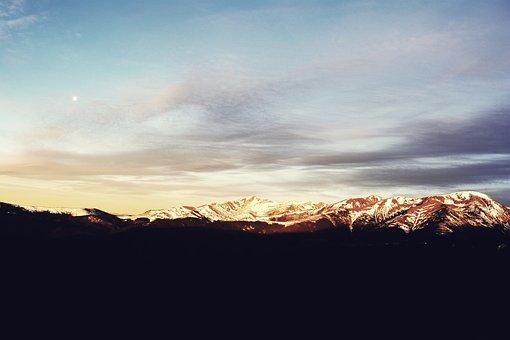 Mountain, Rânca, Novaci Romania, Gorj, Sunrise