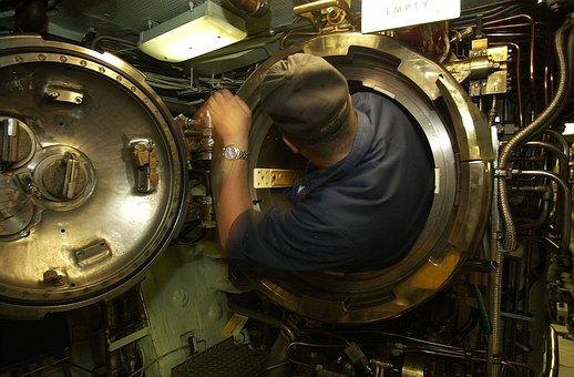 Uss Portsmouth, Submarine, Interior, Sailor