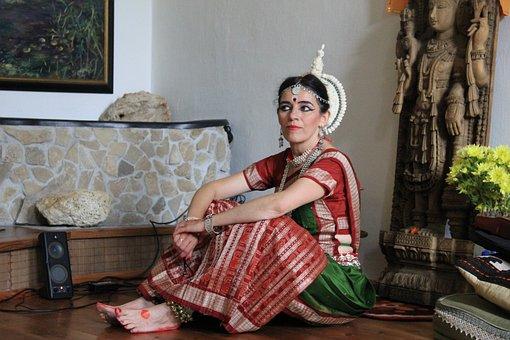 Dancer, Resting, India, Woman, Temple Dancer, Dress