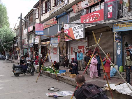 India, Ladakh, Himalayas, Acrobat, Presentation, Street