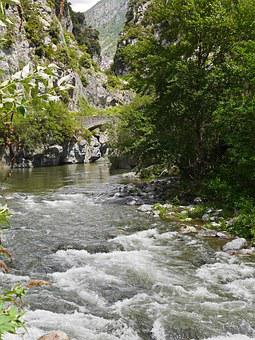 Roya Gorge, Southeast France, Maritime Alps, Rapids